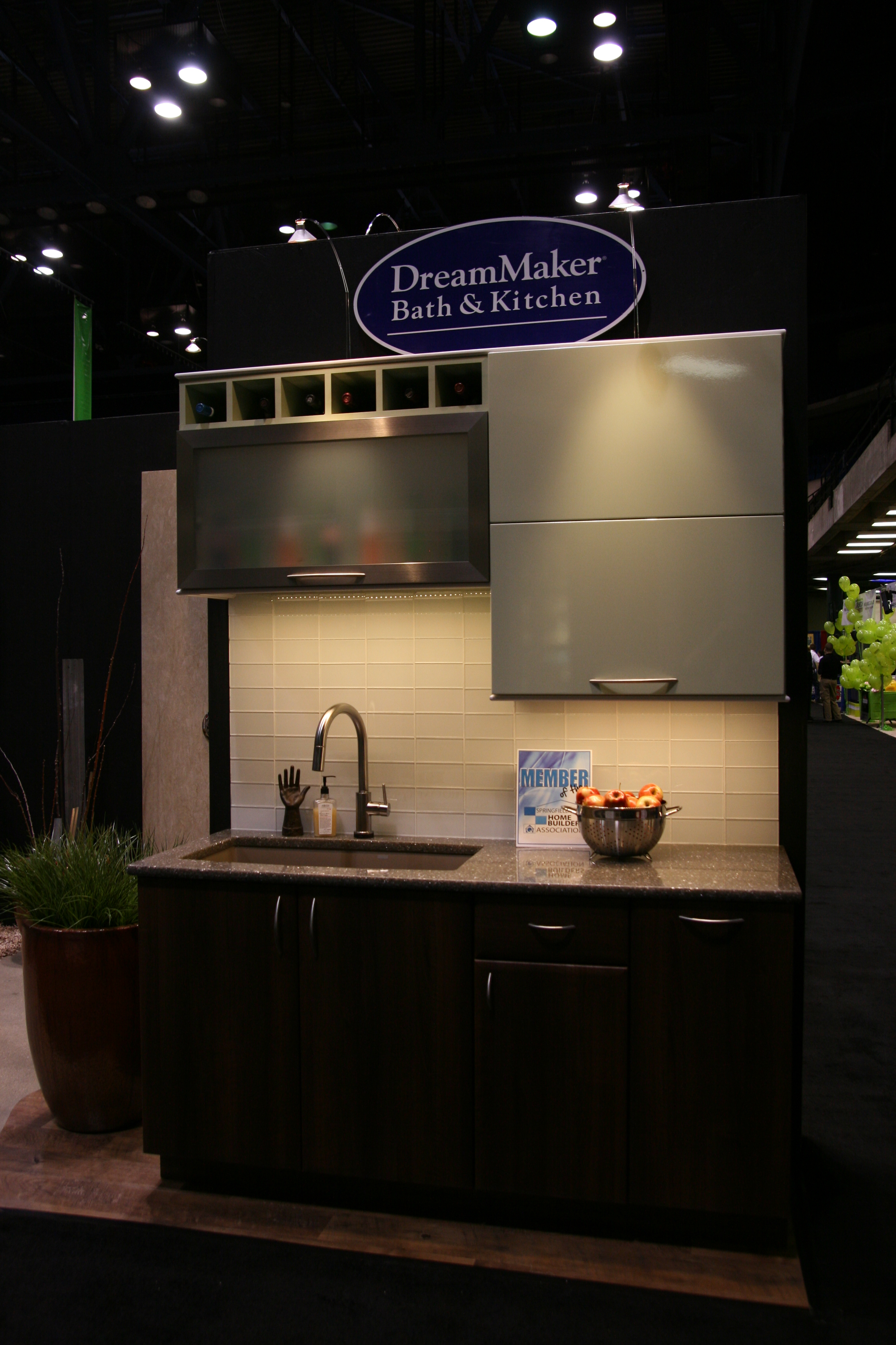 Home Expo 2013 What S New In Kitchens Baths Dreammaker Bath Kitchen