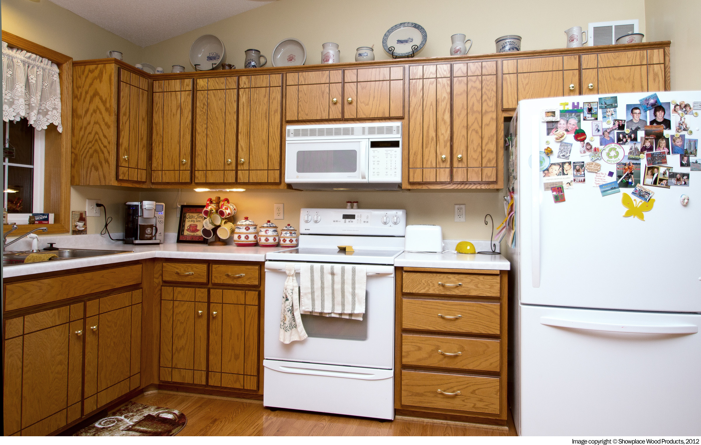 Is cabinet refacing a good option for you dreammaker for Kitchen cabinet refacing
